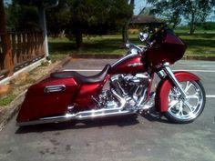 Cool Custom Baggers | Custom Parts on Customer Harley Davidson Bikes - Hill Country Customs ...