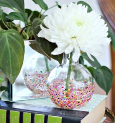 anthropologie style vases DIY'd by Hi Sugarplum. absolutely love this!