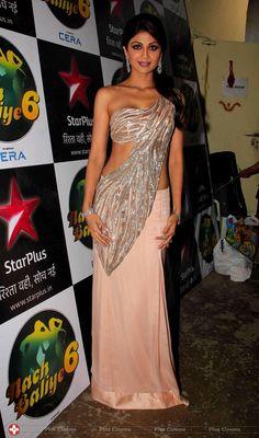 Shilpa Shetty Diwali Celebration on the sets of Nach Baliye 6 Photos