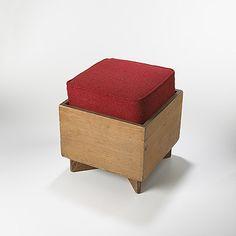 253: Frank Lloyd Wright / hassock < Modern Design, 20 March 2005 <…
