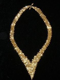 DIY W/CHILDREN: make a mock up of this by painting denim gold, then cutting out with pinking sheers - - - russian lead based necklace tutorial Seed Bead Necklace, Seed Bead Jewelry, Bead Jewellery, Diy Jewelry, Beaded Jewelry, Jewelry Necklaces, Handmade Jewelry, Jewelry Making, Beaded Bracelets