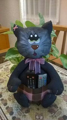 Kitty Cat remote control holder