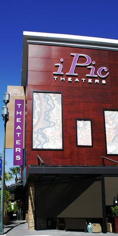 iPIC THEATER in Mizner Park is an amazing shopping and dining area that offers the best in luxury and shopping in the heart of Boca Ration. #ipicbocaration
