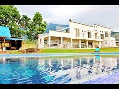 que delicia poder estar en esta piscina tomándome una cerveza helada!!