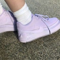 Network footwear beginning with the classification Females, find out neat Sneakers. Sneaker Outfits, Converse Sneaker, Lavender Aesthetic, Purple Aesthetic, Summer Aesthetic, Aesthetic Vintage, Sneakers Mode, Sneakers Fashion, Nike Sneakers