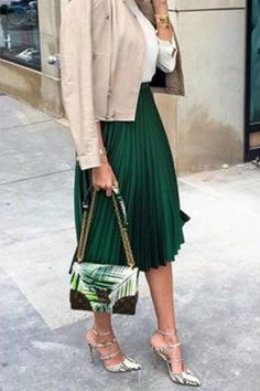 work-outfit-idea-pleated-skirt