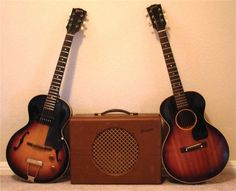 Non-cutaway 3/4 scale : Gibson produced a couple of non-cutaway short scales, the ES-125 and LG-2 acoustic shown here.