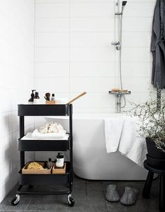 ikea raskog as bathroom storage - can be moved around the room if space is v small Bathroom Cart, Diy Bathroom Decor, Bathroom Interior, Small Bathroom, Bathroom Ideas, Ikea Bathroom Storage, White Bathroom, Organized Bathroom, Neutral Bathroom