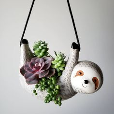 8 Amazing Succulent Gift Ideas You Should Know - Pflanzideen Succulent Gifts, Succulent Care, Ceramic Planters, Planter Pots, Keramik Design, Decoration Plante, Flower Pots, Flowers, Diy Décoration