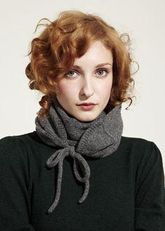 Tie bow scarf