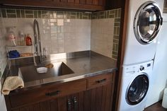 Laundry Room Sink Design Great faucet for dog bath Laundry Tubs, Laundry Room Sink, Small Laundry Rooms, Laundry Room Design, Laundry Area, Dog Washing Station, Sink Design, Dog Design, House Design