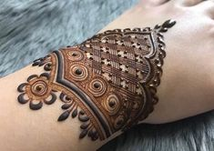 Finger Henna Designs, Modern Mehndi Designs, Dulhan Mehndi Designs, Mehndi Design Pictures, Wedding Mehndi Designs, Mehndi Designs For Fingers, Beautiful Mehndi Design, Mehndi Images, Henna Tattoo Designs