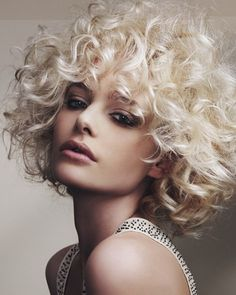 11 Glamourous and Lush Soft Afro Looks
