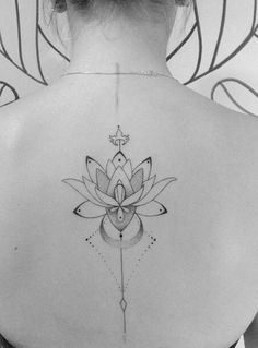 Flowers are a popular choice of design for tattoos, and a lotus flower tattoo design is particularly eye-catching. Back Tattoo Women, Back Tattoos, Love Tattoos, Beautiful Tattoos, Body Art Tattoos, Small Tattoos, Girl Tattoos, Tattoos For Women, Piercing Tattoo
