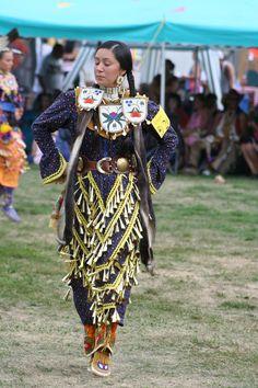 Shkebe Landry. Old Style Jingle Dress Dancer. Saginaw Chippewa Powwow 2007.