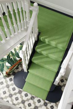 Tiles, green stair runner and banana palm chair in the hallway of erica dav Green Carpet, Beige Carpet, Patterned Carpet, Carpet Colors, Modern Carpet, Best Carpet For Stairs, Stairway Carpet, Hallway Carpet, Wall Carpet