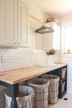Modern Farmhouse Laundry Room Ideas (14)