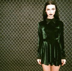 This green velvet dress is everything x