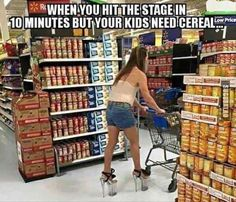 Funny pictures of the day - 40 pics walmart shoppers, walmart humor, tire. Walmart Humor, Walmart Shoppers, Haha Funny, Funny Cute, Funny Memes, Funny Stuff, Funny Drunk, Memes Humor, 9gag Funny