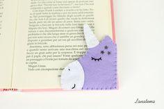 Segnalibro Unicorno lilla con corno brillantinato, segnalibro ad angolo in feltro, regalo sorella, amica, amante lettura, fatto a mano di Lanatema su Etsy
