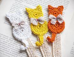 Set of 3 handmade bookmark/Handmade crochet bookmark/crochet cat/cat… Marque-pages Au Crochet, Chat Crochet, Crochet Motifs, Crochet Books, Crochet Gifts, Crochet Patterns, Crochet Ideas, Knitting Patterns, Crochet Pillow