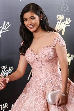 Liza Soberano in Michael Cinco in last year's Star Magic Ball. File photo by Manman Dejeto/Rappler Liza Soberano Gown, Lisa Soberano, Pink Gowns, Pink Dress, Beautiful Gowns, Beautiful Outfits, Designer Wedding Dresses, Wedding Gowns, Debut Gowns