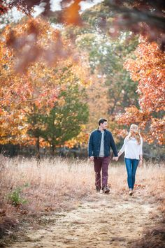 Gorgeous autumn e-sesh: http://www.stylemepretty.com/new-york-weddings/long-island/north-fork/2015/09/03/fall-engagement-session-on-the-north-fork/ | Photography: W Studios New York - http://wstudiosnewyork.com/