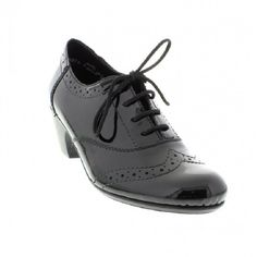 Womens oxford shoes in black color. Rubber non-slip sole and 4cm wide heel. In large sizes from Rieker.