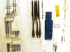 Indigo dyed textiles, woven in traditional looms lever / Textiles teñidos con Añil, tejidos en telar tradicional de palanca. - From Qumbo, diseño a guacaladas (http://www.facebook.com/pages/QUMBO-Dise%C3%B1o-a-Guacaladas/243652085676759)