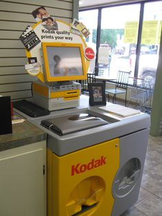 Make printing your pictures easy with the Kodak Kiosk available at Teche Drugs & Gifts on Jefferson Street! Create a photo book, personalized greeting cards, collages and more all in one place! You can now connect with your Facebook and print pictures straight from there!