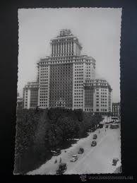 Plaza de España en los años 60 Foto Madrid, Willis Tower, Skyscraper, Plaza, Architecture, Building, Travel, Image, Vintage Postcards