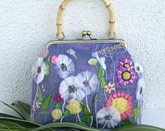 Embroidery Purse, Silk Ribbon Embroidery, Purple Bags, Vintage Handbags, Embroidered Flowers, Handmade Bags, Evening Bags, Fashion Bags, Coin Purse