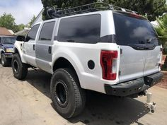 Ford Excursion Fiberglass rear panels Conversion to 2017 Ford Pickup Trucks, Jeep Truck, Car Ford, Ford 4x4, Auto Ford, Lifted Ford Explorer, Bristol, Ford Excursion Diesel, Ford Explorer Accessories