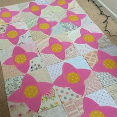 Playing with my #meadowquilt again!  trying really hard to finish some WIPs before starting something new! #lizzyhouse