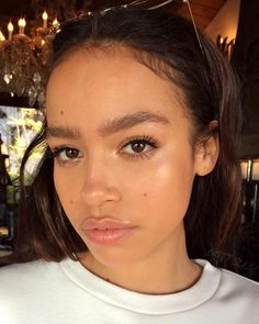 Natural Makeup - Naturally beautiful g lowing - You only need to know some tricks to achieve a perfect image in a short time. Glowy Makeup, Glowy Skin, Beauty Makeup, Hair Beauty, Dewy Skin Makeup, Makeup Style, Beauty Skin, Natural Makeup Looks, Natural Face