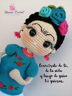 Knitted Dolls, Crochet Dolls, Crochet Animal Patterns, Crochet Animals, Crochet Flowers, Crochet Lace, Crochet Baby Shoes, Learn To Crochet, Crochet Designs