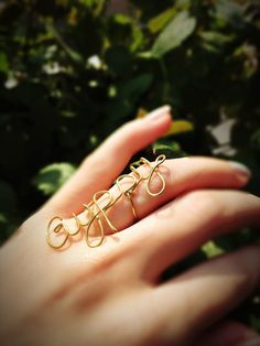 DIY wire ring. More at mrsgypsy.wordpress.com