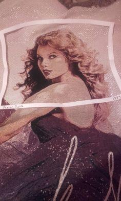 1989 polaroid frame by Chloe Is a Swiftie.