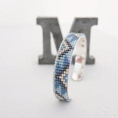 Bracelet perles tissées bleu