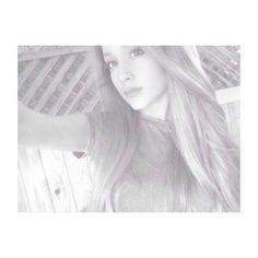 Ariana Grande // #Selfie // Grey And White