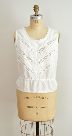 vintage peasant top // 70s white cotton sleeveless bouse