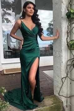 Green Formal Dresses, Formal Gowns, Prom Dress With Train, The Dress, Emerald Green Dresses, Emerald Prom Dress, Emerald Green Evening Gown, Emerald Bridesmaid Dresses, Satin Dresses