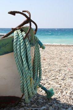 A Beach Cottage - Coastal & Nautical LIfe! — old anchor by the sea Beach Wedding Colors, Beach Cottages, Beach Bum, Summer Beach, Pink Summer, Nice Beach, Summer Colours, Beach Pool, Belle Photo