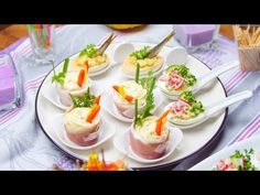 Jarní plněná vejce - hnízdo se šunkou a vejci se šproty - YouTube Canapes, Sushi, Panna Cotta, Pudding, Prosciutto, Ethnic Recipes, Desserts, Youtube, Deviled Eggs