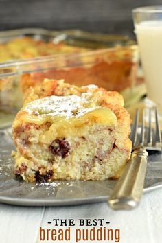 Old fashioned dessert with a sweet custard texture, my Dad's Bread Pudding Recipe with Lemon Sauce is irresistible! You'll love this classic dessert recipe. Pudding Desserts, Pudding Recipes, Easy Desserts, Bread Recipes, Dessert Simple, Recipes With Lemon Sauce, Best Bread Pudding Recipe, Pudding Sauce, Cheesecakes