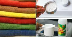 Dopo aver programmato la lavatrice per il lavaggio con acqua calda, è necessario caricarla con una tazza di aceto bianco diluito in un bicchiere di acqua. Alla fine del primo ciclo completo di lavaggio, si ripete l'operazione sostituendo l'aceto con il bicarbonato di sodio. L'acido acetico contenuto nell'aceto bianco contribuisce a eliminare i batteri e l'umidità, ammorbidendo gli asciugamani, mentre il bicarbonato favorisce l'eliminazione dello sporco e neutralizza gli odori.