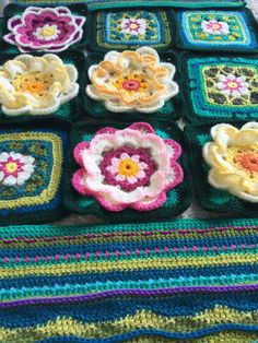 By Andrea Rose Knitting Squares, Crochet Squares, Crochet Granny, Granny Squares, Love Crochet, Crochet Flowers, Knit Crochet, Lily Pond, Crochet Mandala