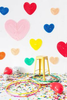 Adorable Valentine's Day Home Party Ideas You Would Try Heart balloon backdrop Balloon Backdrop, Balloon Wall, Balloon Decorations, Birthday Decorations, My Funny Valentine, Valentines Day Food, Valentines Day Hearts, Party Kulissen, Party Time