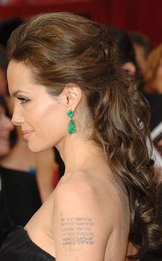 Como preparan las celebrities su look para los Oscar: Angelina Jolie de Elie Saab en 2009