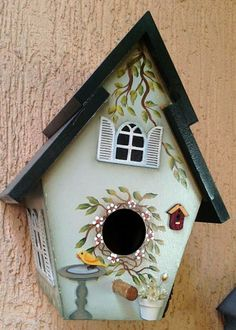 23 Clever DIY Christmas Decoration Ideas By Crafty Panda Bird Houses Painted, Bird Houses Diy, Fairy Houses, Painted Birdhouses, Decoupage Art, Decoupage Vintage, Tole Painting, Painting On Wood, Bird House Feeder